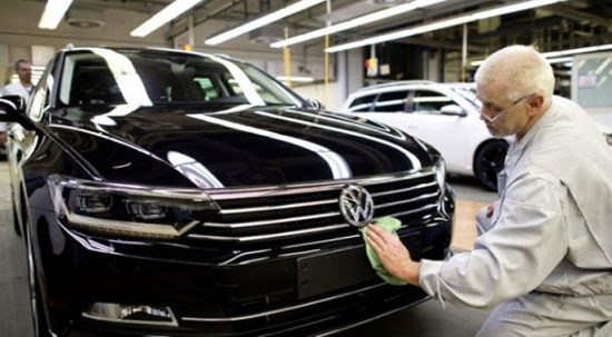 Volkswagen, egzoz manipülasyonunda tüketicilere 830 milyon euro teklif etti