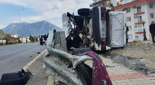 Alanya'da feci kaza! Baba öldü, oğlu yaralandı