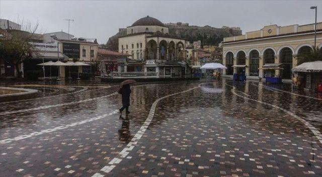 Atina Covid-19 önlemleri nedeniyle 'hayalet kent'e döndü