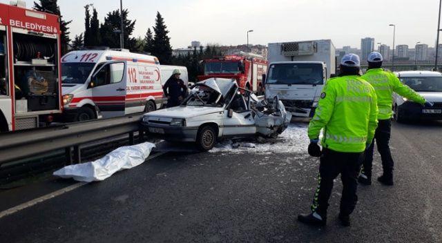 Bakırköy'de otomobil kamyonetle çarpıştı: 1 ölü