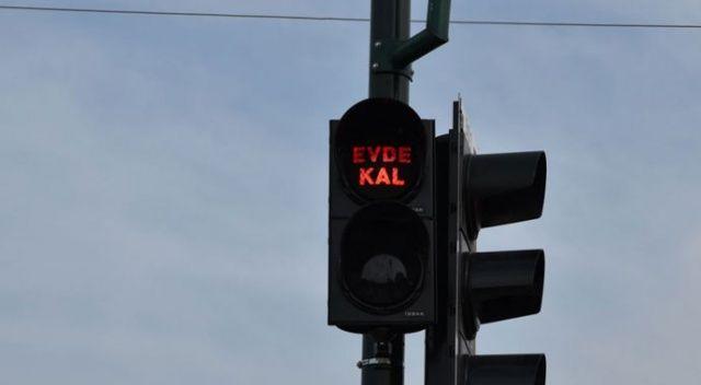 Bursa'da koronavirüsle mücadeleye anlamlı destek! Tüm ışıklar 'Evde Kal' diyor