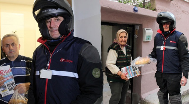 Gazetemiz, yaşlılara kol kanat oldu