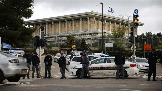 İsrail'de Covid-19 vaka sayısı 3 bin 619'a yükseldi