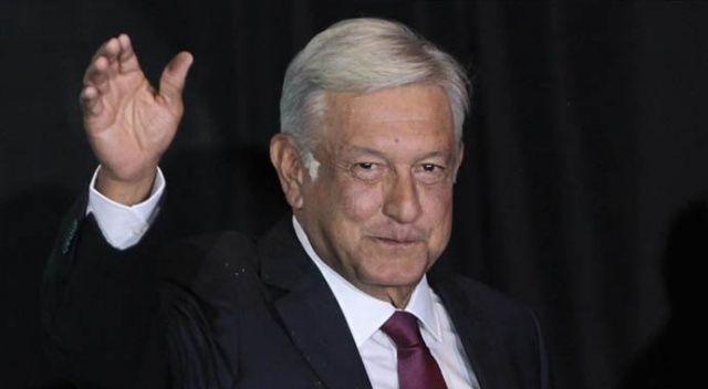 Meksika Devlet Başkanı Obrador'un Covid-19'a karşı tedbirli olmaması tepki çekti