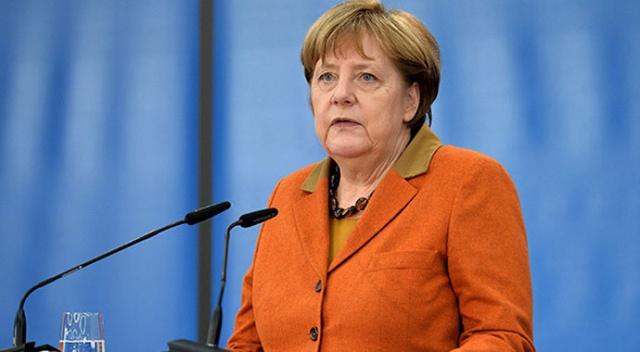 Merkel'in ikinci koronavirüs testi de negatif çıktı