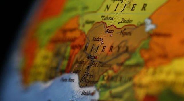 Nijerya'da kamyon ile otobüs çarpıştı: 18 ölü