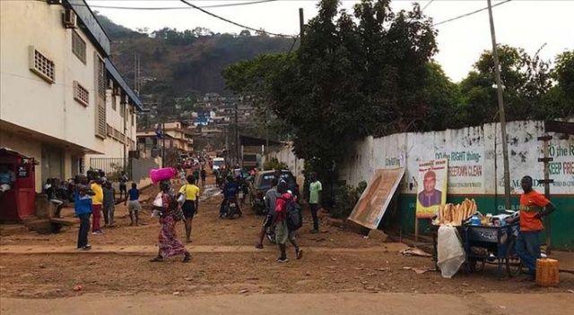 Sierra Leone'de Kovid-19 nedeniyle 12 ay 'acil durum' ilan edildi