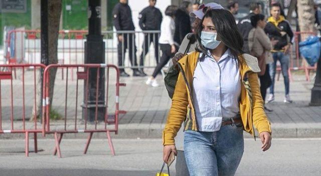 Tunus'ta sokağa çıkma yasağını ihlal eden 408 kişiye gözaltı