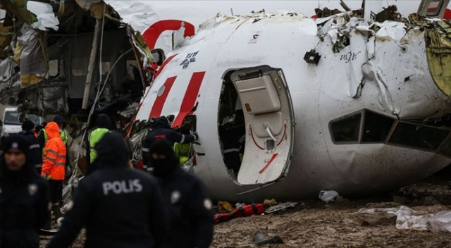 Uçak kazası soruşturmasında tutuklanan kaptan pilota 'ev hapsi' koşuluyla tahliye