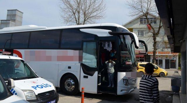 Yolcu otobüsünde fenalaşan 72 yaşındaki kadın paniğe neden oldu!