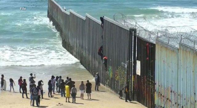 ABD, 6 binden fazla göçmeni Meksika sınırından geri çevirdi