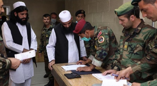 Afganistan'da 100 Taliban mahkumu serbest bırakıldı