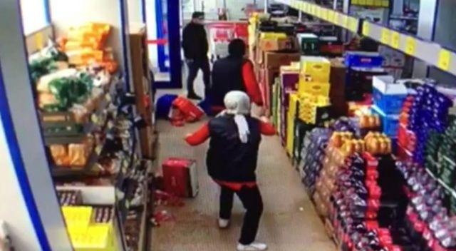 Avcılar'da markette maske kavgası