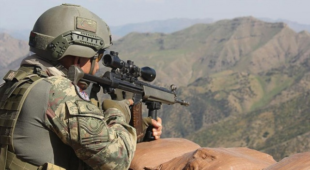 Barış Pınarı Harekatı Bölgesi'ne sızmaya çalışan 4 YPG/PKK'lı terörist öldürüldü