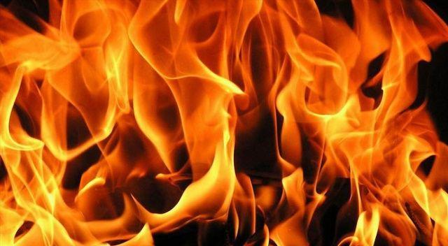 İstanbul'da hurdalık alanda yangın