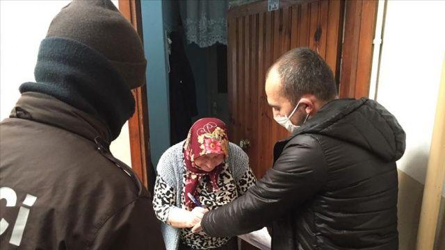 İstanbul'daki 100 bin 244 aileye sosyal yardım ve maaşları teslim edildi