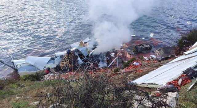 Korkunç kaza! Tır denize uçtu, şoför hayatını kaybetti