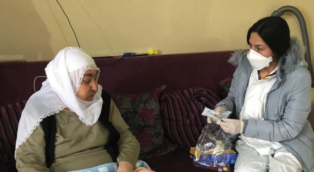 Lösemi hastası kadının tahlilleri evinde yapıldı