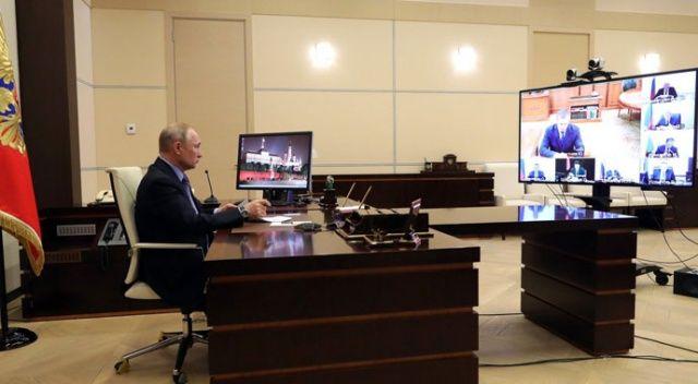 Putin, koronavirüs riski nedeniyle uzaktan çalışıyor