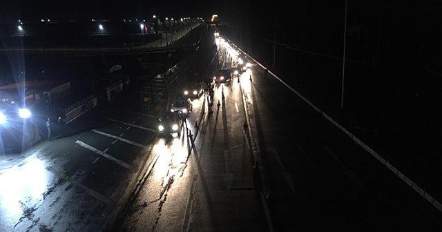 Sakarya, Kocaeli ve Zonguldak'ta araç giriş çıkış yasağı başladı
