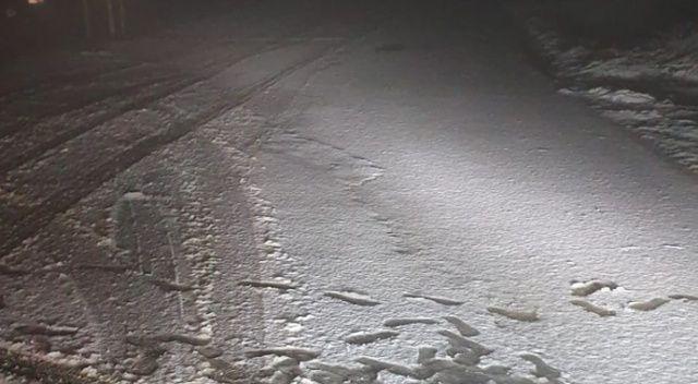 Şarköy'de kar sürücülere zor anlar yaşattı