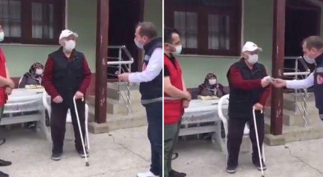 83 yaşındaki görme engelli vatandaştan örnek davranış