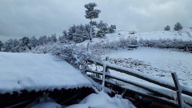 Amasya'da 23 Mayıs'ta yağan kar şaşırttı