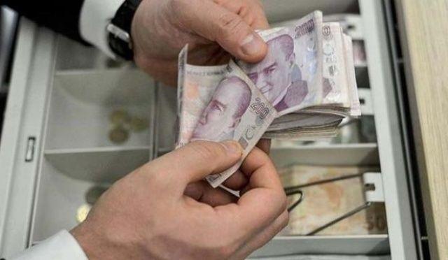 """Antalya'da kumar oynayan 23 kişiye """"sosyal mesafe"""" cezası"""