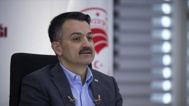 Bakanı Pakdemirli: 2 bin 153 sözleşmeli personel istihdamı için başvuruları 15-22 Mayıs'ta alacağız