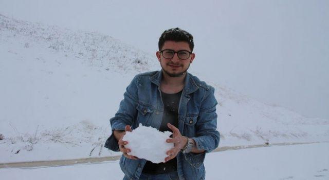 Bayramda lapa lapa kar yağdı