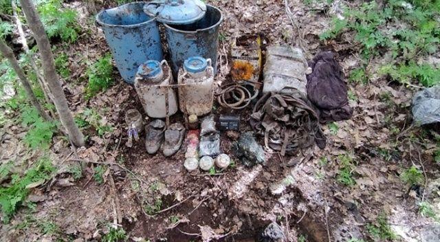 Bitlis'te PKK'lı teröristlere ait araziye gizlenmiş malzemeler imha edildi