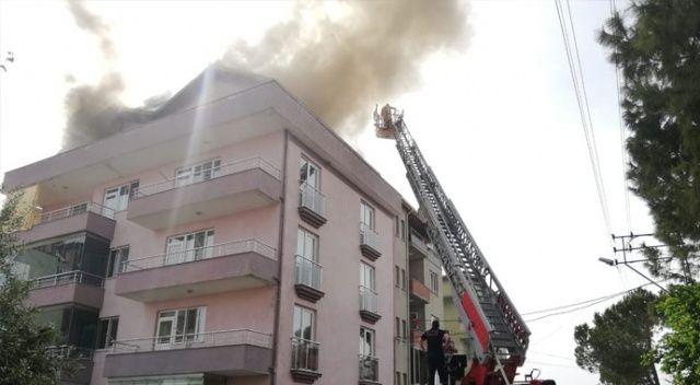 Çatı katında çıkan yangın hasara neden oldu
