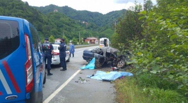 Direğe çarpan araçta bulunan 3 kişi yanarak öldü