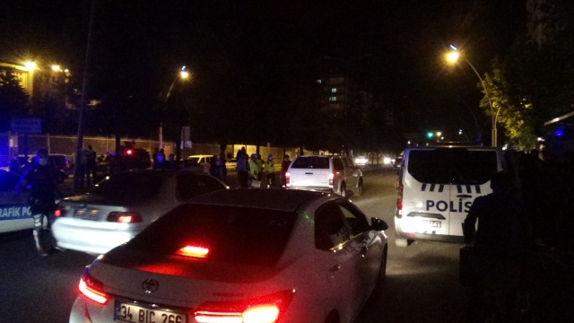 Diyarbakır'da aracın çarptığı kadın ağır yaralandı, sürücü şoka girdi