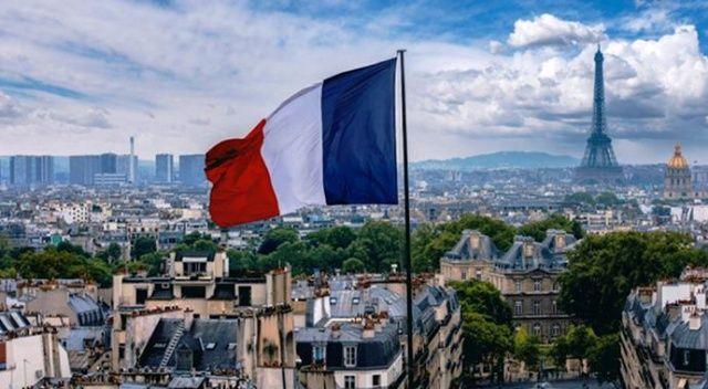 Fransa'da Kovid-19 nedeniyle hayatını kaybedenlerin sayısı yükseldi