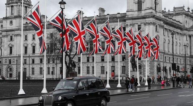 İngiltere'de Covid-19 ölümleri 36 bini aştı