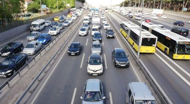 İstanbul'da kısıtlama öncesi yoğun trafik