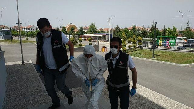 Karaman'da adliyeye sevk edilen silah kaçakçısı tutuklandı
