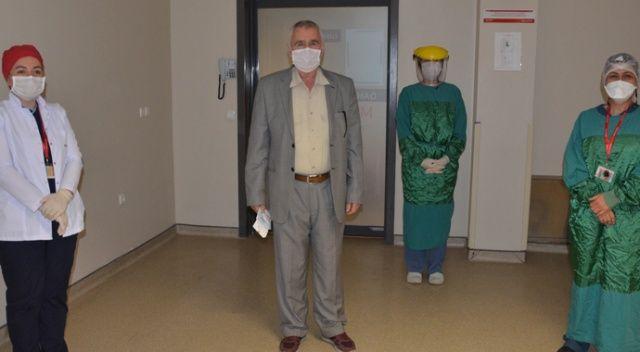 Koronavirüsü yendi, sağlıkçılar için şiir ve türkü yazdı