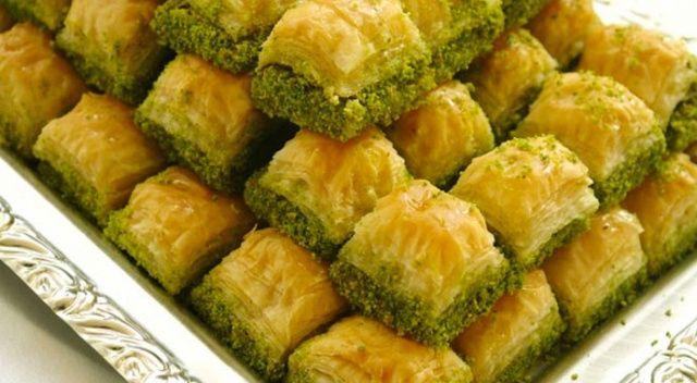 Kronik rahatsızlığı olanlar bayramda tatlı tüketimine dikkat