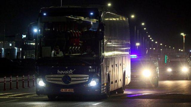 Macaristan'da bulunan Türk vatandaşları yurda getirildi