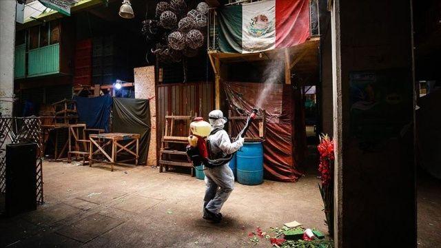 Meksika'da Covid-19 nedeniyle son 24 saatte 424 kişi öldü