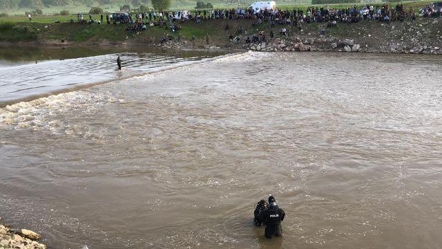 Muş'ta serinlemek için suya giren bir kişi kayboldu