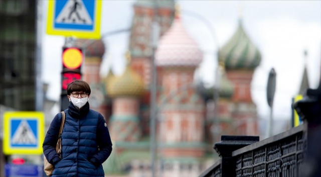 Rusya'da Covid-19 vaka sayısı 300 bini aştı