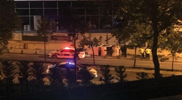 Sancaktepe'de korkutan kaza; Polis aracı yan yattı