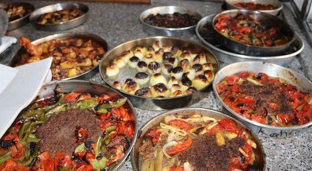 Şanlıurfa'da iftar yemekleri taş fırınlarda lezzetleniyor