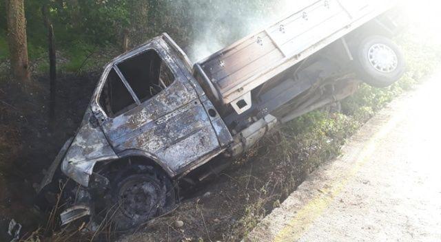 Şarampole yuvarlanan kamyonet alev aldı: 1 yaralı