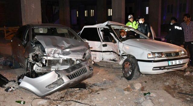 Şüphelileri kovalayan polis aracı kaza yaptı: 5 yaralı