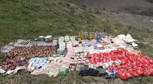 Van'da PKK/KCK'ya ağır darbe: 5,5 ton tahıl ve kuru bakliyat ele geçirildi