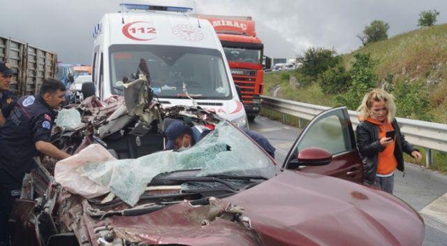 Yalova-Bursa yolunda kaza: Müdahale için gelen ambulans kazaya karıştı